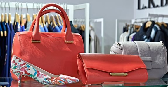 Now Walk With Style – A Large Collection of Replica Handbags